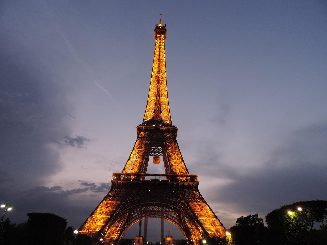 paris-1386349_1280